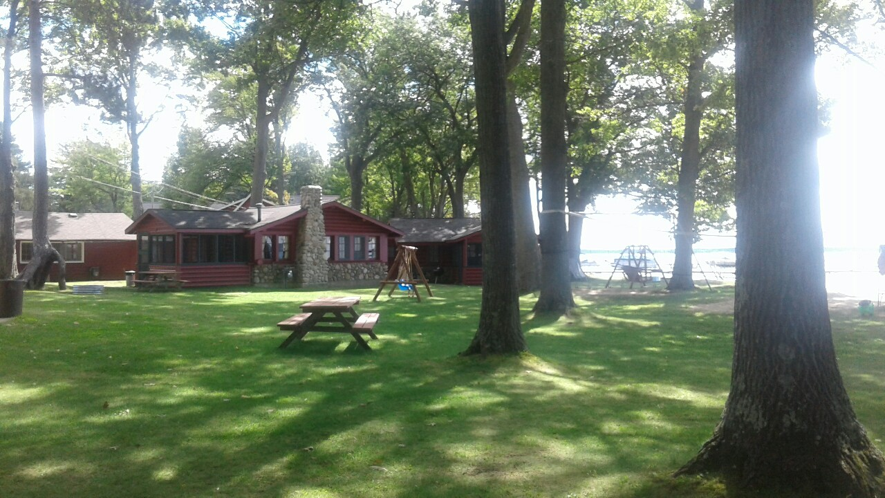 houghton house mi cottage michigan in photo rent vacation lake for cottages rental